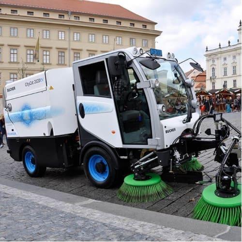 Подметально-вакуумная машина Bucher Citycat 2020EV